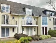 Apartment to rent in Main Road, Westerham