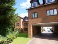 2 bedroom Apartment in Sadlers Court, Wokingham