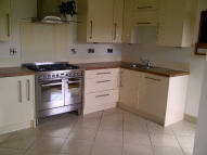3 bed Terraced house to rent in Moreton Avenue, Stockport