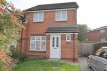 3 bed semi detached house in Queens Drive, Leicester
