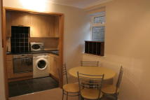 2 bed Flat to rent in The Hill Avenue...