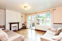Ground Maisonette to rent in Brixton Water Lane...