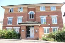 1 bedroom Flat to rent in Swynford Gardens, London