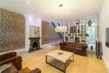 2 bed property in Princes Mews...