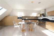 Flat in Pembridge Villas, London