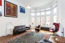 Palace Court Flat for sale