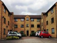 Flat to rent in Crofton Court, Heaton...