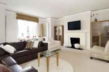 2 bed property to rent in Chepstow Villas, London...