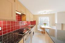 2 bedroom property in Clanricarde Gardens...
