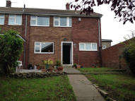 4 bed End of Terrace property in TENNYSON CLOSE...