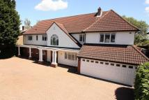 5 bed Detached house in Hainault Road, Chigwell
