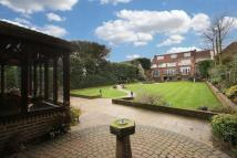 6 bed Detached property in St Johns Road, Loughton
