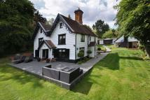 4 bed Detached home in Debden Road, Loughton