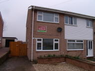 2 bed semi detached house in Uplands Avenue