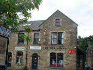 1 bed Flat in High Street, Uppermill...