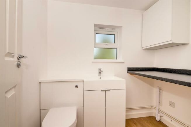 Utility Room/Cloakroom