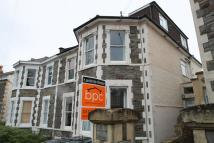 2 bed Flat in Claremont Road...