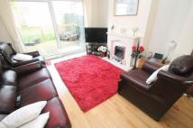 3 bedroom End of Terrace property to rent in Creswicke Road...
