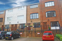Town House to rent in Whitefriars Wharf