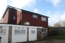 Link Detached House to rent in Salisbury Road, Tonbridge