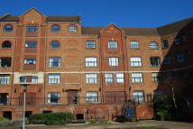 2 bedroom Apartment to rent in Whitefriars