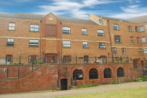 2 bed Apartment to rent in Whitefriars