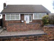 2 bedroom Detached Bungalow to rent in Stroud Close, Wigan, WN2