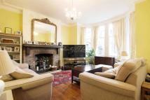 5 bed Terraced house in Bergholt Crescent, N16