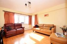 2 bedroom Flat in Water Lane, Stratford...