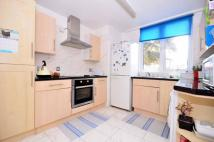 Flat to rent in King Street, Plaistow...