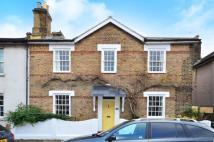 4 bed home in Amity Road, Stratford...