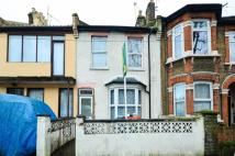 3 bed property in Neville Road...