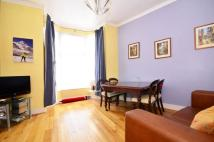 2 bed Flat to rent in Woodford Road...