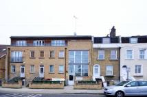 2 bed Flat to rent in Manbey Park Road...