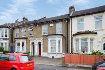 3 bed Flat to rent in Sebert Road, Forest Gate...