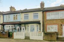 2 bedroom property for sale in Woodside Road, Plaistow...