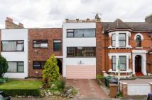 3 bed Flat in Forest Drive West...