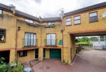 2 bedroom property to rent in Clarence Road...
