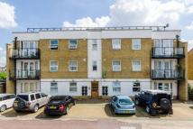 2 bedroom Flat in Wellington Road...