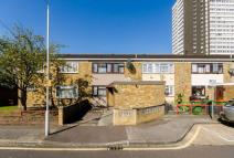3 bed home for sale in Rosher Close, Stratford...