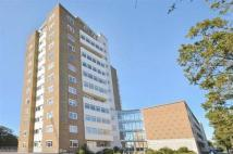 Flat to rent in Boundary Road, Worthing