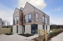 Detached house to rent in Fulbeck Avenue, Worthing