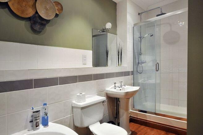 Bath / Shower ...