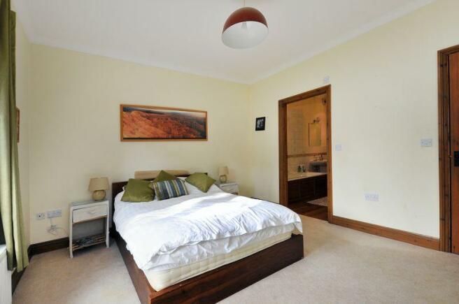 Bedroom / En-s...