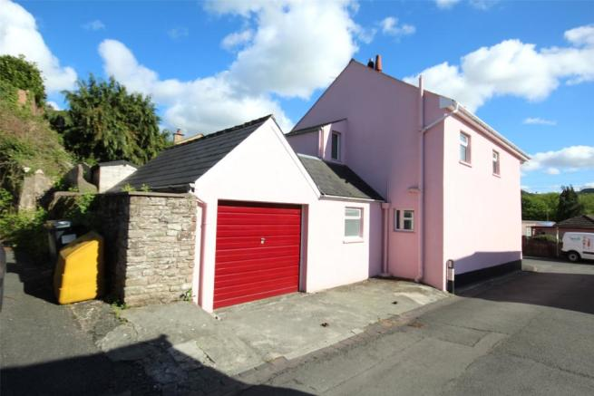 Garage and Frontage