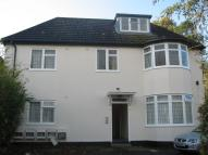 2 bed Flat to rent in Harrowdene Road, Wembley...