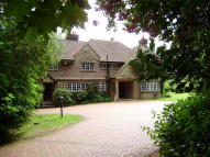 5 bed home to rent in Penwith Drive, Haslemere...