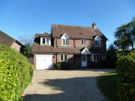 4 bedroom Detached house to rent in London Road, Rake, GU33