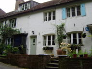2 bed Cottage to rent in Sandrock, Haslemere, GU27