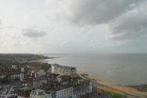Flat to rent in Seafront, Margate